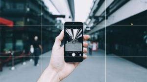 iPhoneカメラのグリッドの表示・非表示のやり方。写真の構図を上達させる撮り方