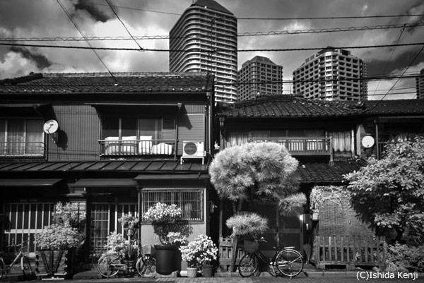 古き良き時代と現代 ©石田研二