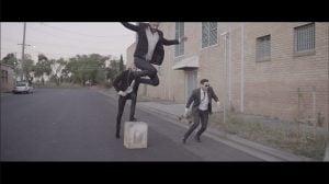 シンクロする映像が面白いクラブフィートのミュージックビデオ