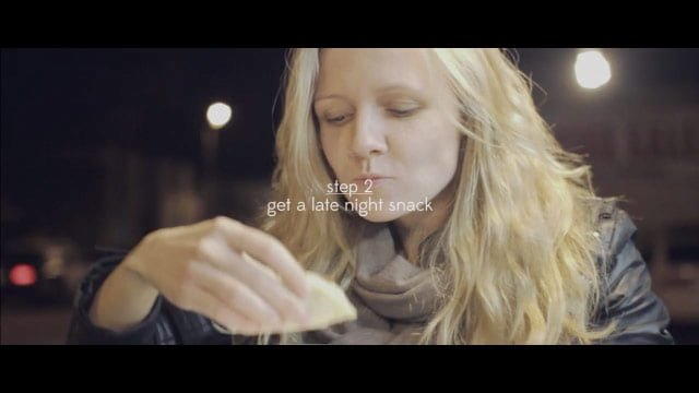 落ち込んだ時は深夜にスナックを食べてみる