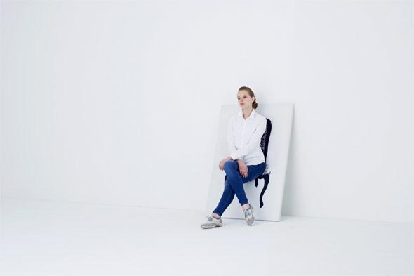 絵に座っているように見える椅子