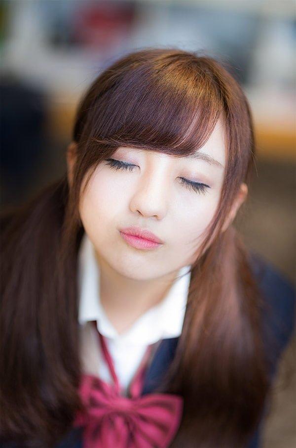 キス顔の女子高校生の写真素材