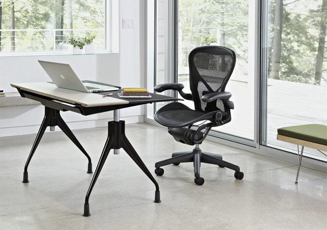 人間工学による椅子アーロンチェア