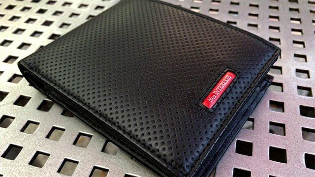 メンズ用の二つ折り財布